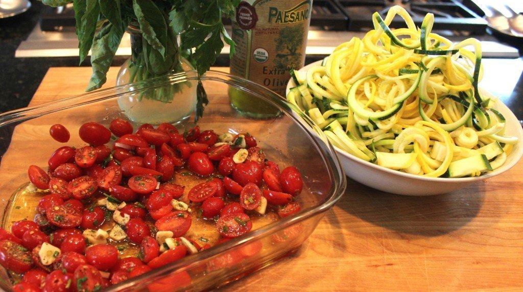 zucchini and cherry tomatoes raw