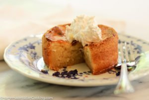 Individual butter cake on plate