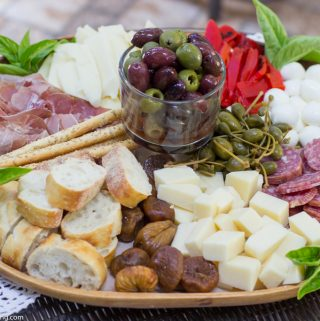 How to make an Italian Antipasto Platter Your Guests will Love